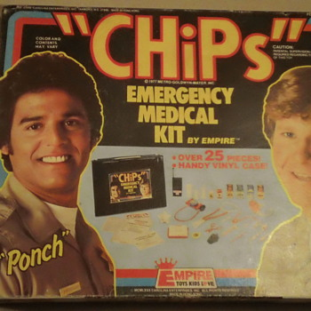 "VINTAGE 1977 ""CHiPs"" EMERGENCY MEDICAL KIT  SEAL AND MINT - Toys"