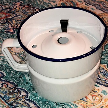 14cm Enamelware Pot with strainer - Can't ID maker.... - Kitchen