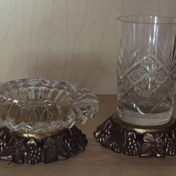 Smoking set crystal or cut glass the gold colored base - Art Glass