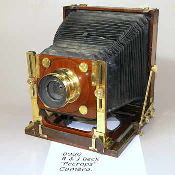 ENGLISH HYBRID STYLE FIELD CAMERA. 1875. R & J Beck