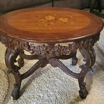 Vintage oval mahogany,  rosewood with floral inlay on top, hand carved marquetry top, think it may be from Rococo collection - Furniture
