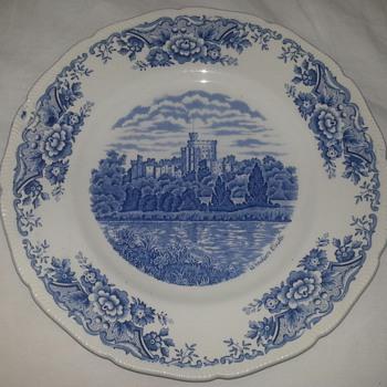Royal Swan Windsor Castle Plate