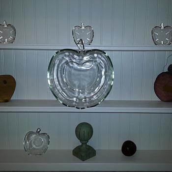 Apple Dessert Dishes - Kitchen