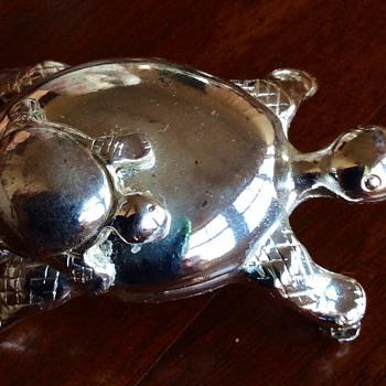 Tortoise ex brooch  - Costume Jewelry
