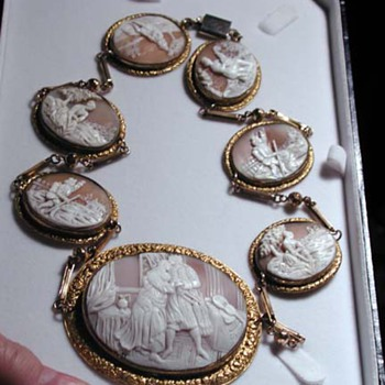 Fabulous long cameo necklace - Victorian Era