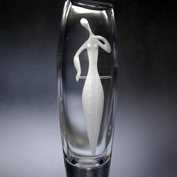 Vicke Lindstrand for Kosta ~1956 'Fru Musica' Sonata  - Art Glass