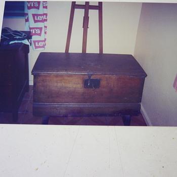Antique dutch/belgie trunk - Furniture