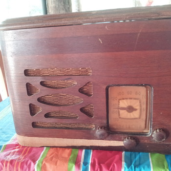 My Nanny's Motorola Radio with 78 turntable