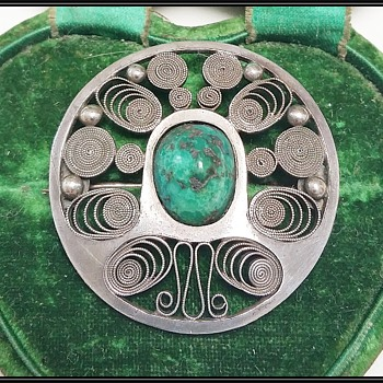 New Zealand Arts & Crafts brooch - Fine Jewelry