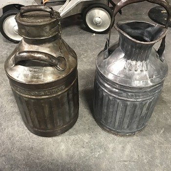 Two  Ellesco 5 gallon oil cans from the 1900's  - Petroliana