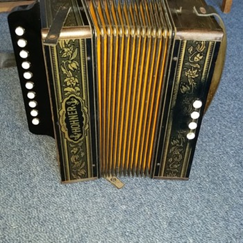 Accordion squeezebox