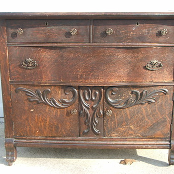 Wooden Dresser /Buffet ? - Furniture
