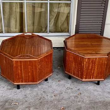 Rare Pair of Mid Century Octagonal Mahogany Cellarettes Serving Tray Tops - Furniture