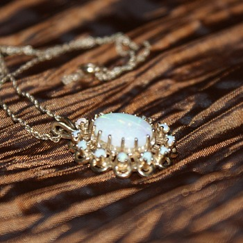 Vintage 14K Opal Necklace - Fine Jewelry