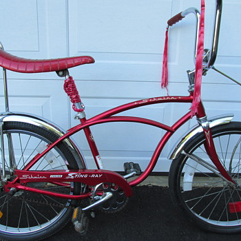 1976 Schwinn Junior Sting-Ray - Sporting Goods