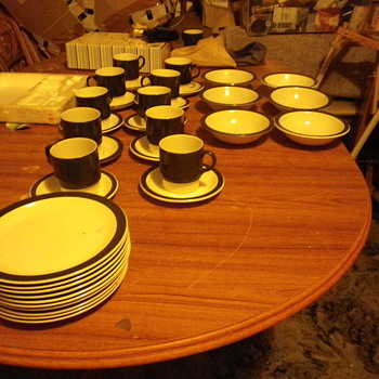 The Poole Tableware collection, cups, saucers, bowls and plates. lets have a vintage party! - China and Dinnerware