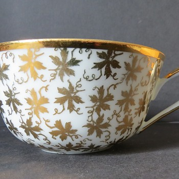 Cup with Gold Vine leaves? - China and Dinnerware