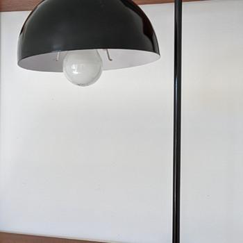 Mid Century Modern lamp. - Mid-Century Modern