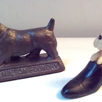 Two More For My Collection / Hamilton Foundry Scottie Paperweight / Cellulose-Bakelite ? Scottie In Shoe / Circa 20th Century - Animals