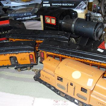 IVES TOY TRAIN LOCOMOTIVE  SET - Model Trains
