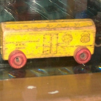 Wood train NYCS/UP marked - Toys