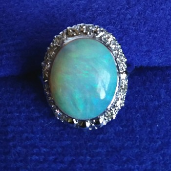5 CT CRYSTAL OPAL & DIAMOND RING - Fine Jewelry