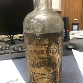 Antique whiskey bottle - Bottles