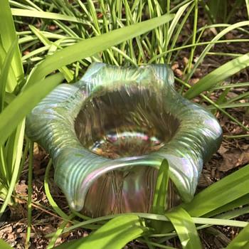 """Kralik """"Gloria"""" style iridescent glass vase - Art Glass"""