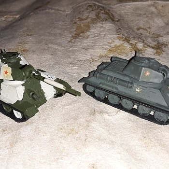 Roco Minitanks and A Tomy 1/87 Scale World War II Soviet Armor - Military and Wartime