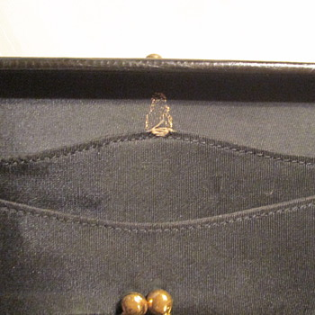 can someone tell me who made this  vanity purse and how old it is ?? - Bags