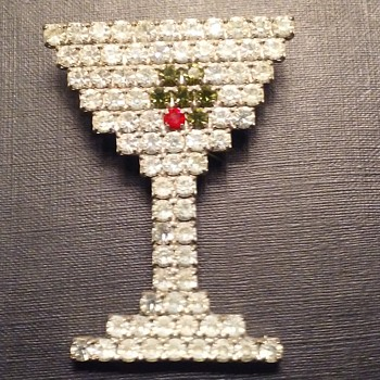 Bauer martini glass brooch - Costume Jewelry