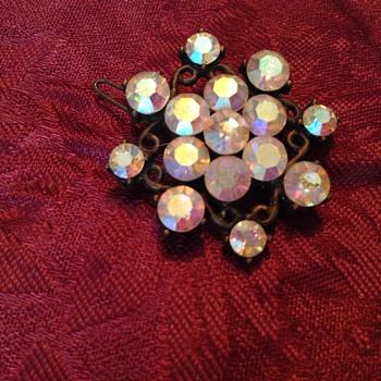 Hair barrette - Costume Jewelry