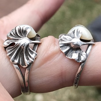 Art Nouveau rings & brooches by Dumont - Art Nouveau