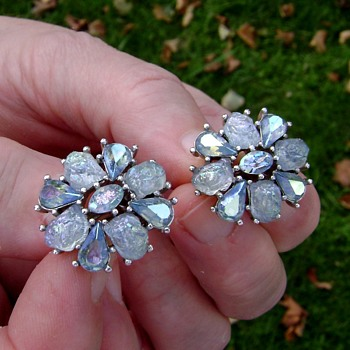 Vintage Trifari Earrings - Etoile Collection - Costume Jewelry