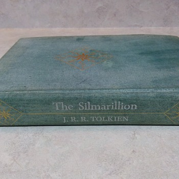 J. R. R. TOLKIEN SILMARILLION  FIRST EDITION - Books