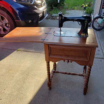 American Beauty sewing machine - Sewing
