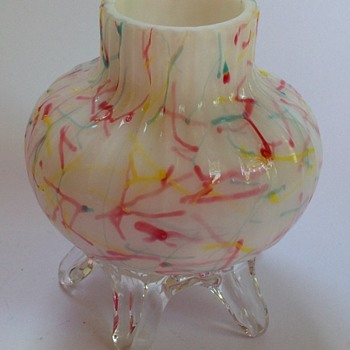 Victorian Peloton glass vase with applied feet - Art Glass