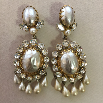 Schreiner earrings Large but not perfect - Costume Jewelry