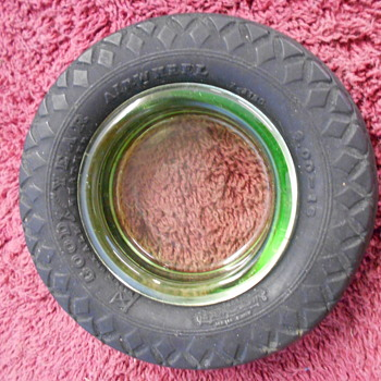 small Goodyear tire ashtray - Petroliana