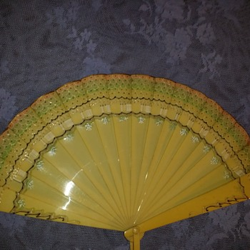 ART Deco 1920's to 1930's Celuloid Fan. - Art Deco