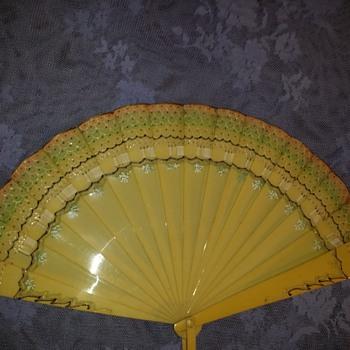 ART Deco 1920's to 1930's Celuloid Fan.
