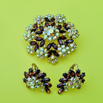 Jewels by Crown Trifari 1961 - Costume Jewelry