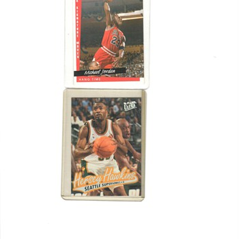 MICHAEL JORDAN AND HERSERY HAWKINS BASKETBALL CARDS