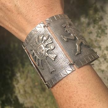 "Large Vintage 900 Coin Silver Bracelet ""Industria Peruanna""  - Fine Jewelry"