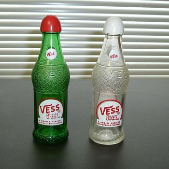 Vess Salt & Pepper Shakers