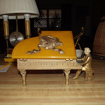 1932 J. B. Hirsch Beethoven at the Piano Cigarette/Music box Designed and Signed by J Ruhl