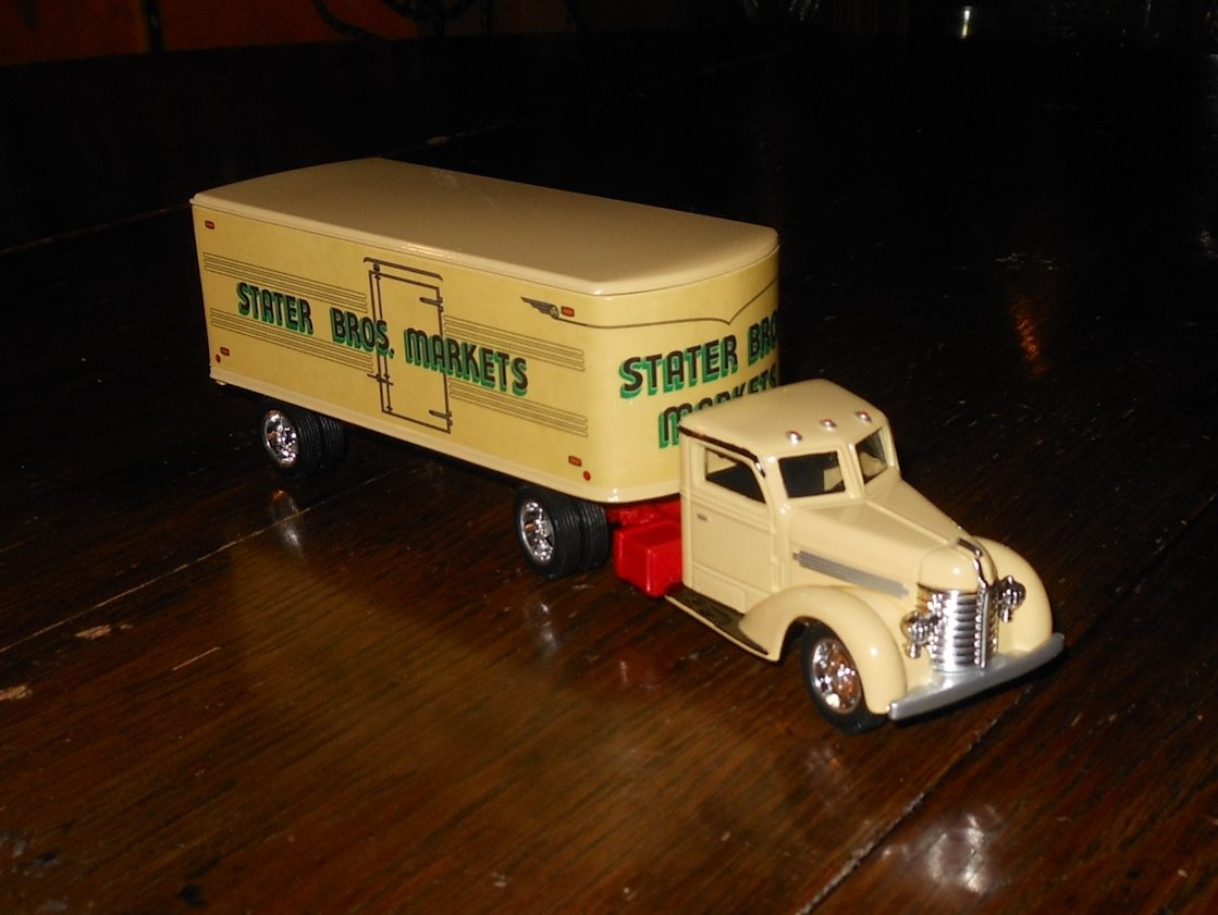 Ertl stater bros markets 1948 diamond t truck 1 43rd scale collectors weekly