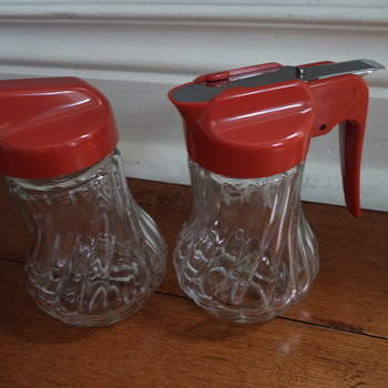 Vintage sugar, honey or syrup dispensers & Cookie cutters