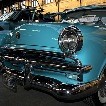 Vintage Ford Mainline  - Classic Cars