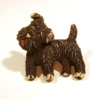 Plastic Scottie Dog Pin with Moveable Head - Costume Jewelry